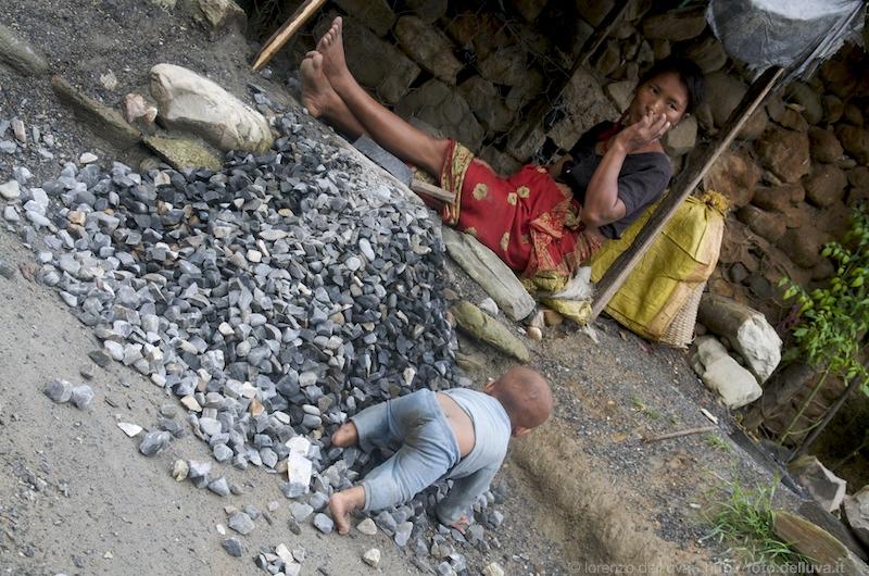 spaccapietre (nepal) 24